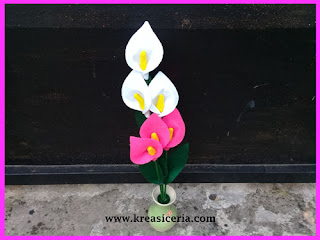 Bunga Calla Lily dari Kain Flanel
