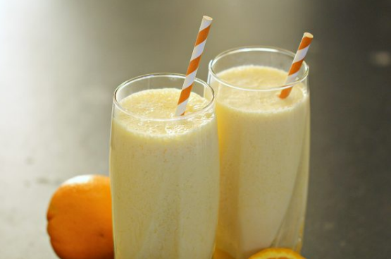ORANGE JULIUS WITH BANANA #orange #juice