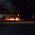 Kombi pega fogo em Laranjeiras do Sul