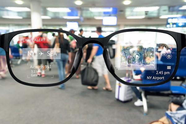 آبل تعتمد إمكانية تصحيح النظر عبر نظارات الواقع المعزز