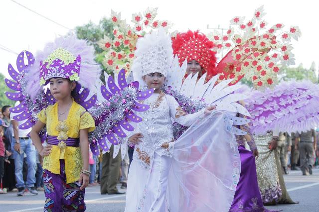 Semarak Karnaval Budaya dan kendaraan Hias Sita Perhatian Masyarakat Muba