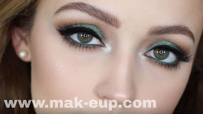 مكياج عيون خضراء