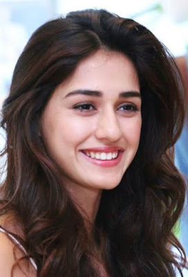 दिशा पटानी की जीवनी | Disha Patani date of birth, age, education, family, more biography in hindi