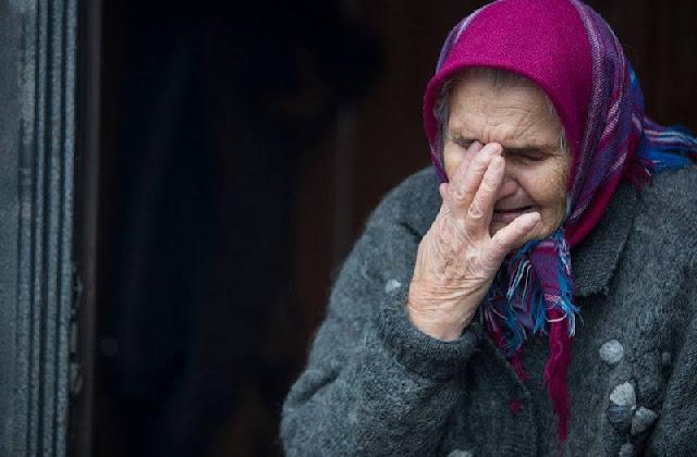 91-летняя бабушка два дня ела землю из горшка после падения и травмы, чтобы не умереть с голоду