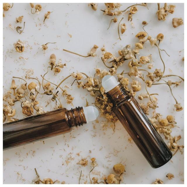 Jak zrobić naturalne perfumy z olejków eterycznych?