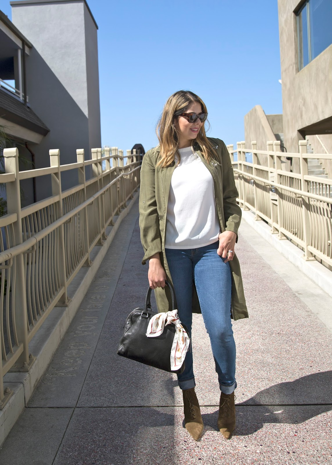 Latina fashion blogger, fall fashion outfit idea, how to wear pointed boots
