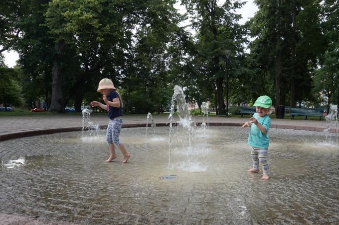 J.L. Runebergilla risteily Porvoosta Helsinkiin lasten kanssa / Muumileikkipuisto