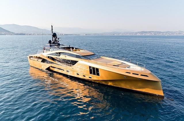 Khalilah yacht.