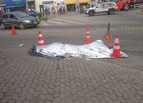 Idoso de 66 anos morre atropelado por carreta em avenida de Pouso Alegre
