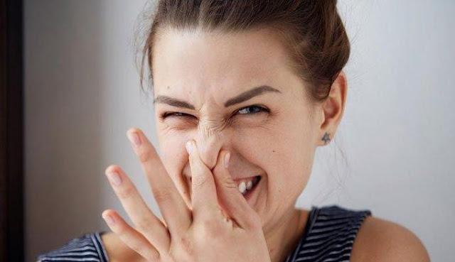Melenyapkan Bau Mulut dengan Cara Mudah