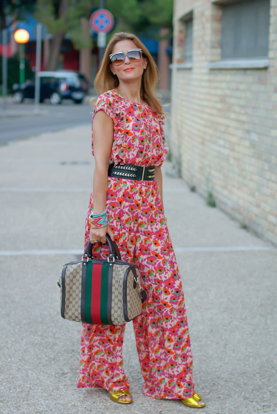 Gucci vibes with vintage floral print silk suit and Gucci vintage web bag on Fashion and Cookies fashion blog, fashion blogger style