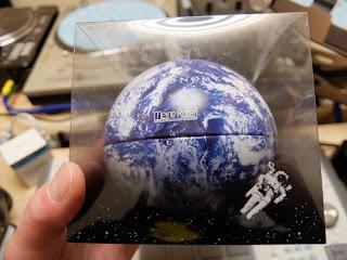 Meine Rollen(マイネローレン)の地球チョコの写真です。