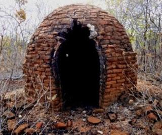 Homem é encontrado em estado de decomposição dentro de forno de carvão, no interior da PB