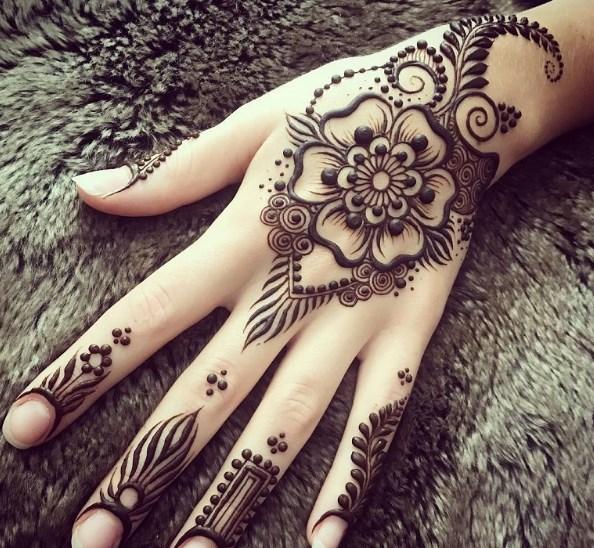 Desain Henna Simpel Dan Cantik Untuk Pemula