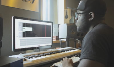 PRINCE RAPID MAKES A GRIME INSTRUMENTAL IN 10 MINUTES [VIDEO]
