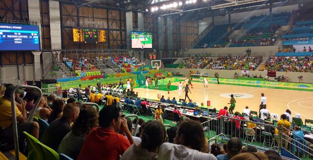 Arena da Juventude recebeu jogos do basquete na Rio 2016 [Silva Diniz/Twitter]