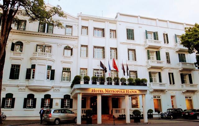 metrople-hanoi-hotel-entrance