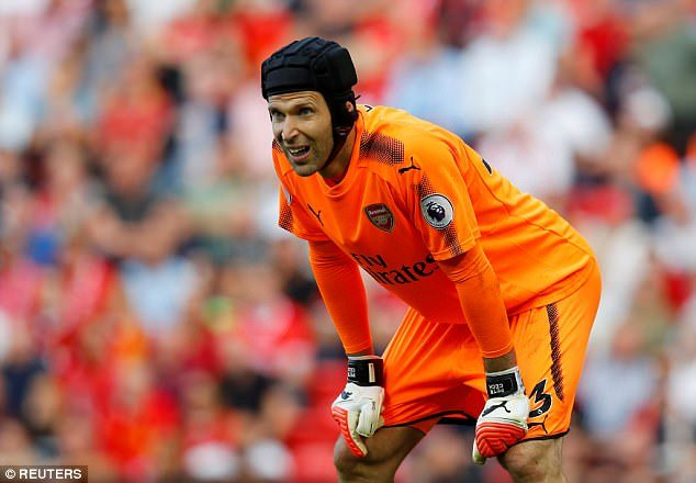Liverpool 4-0 Arsenal, Petr Cech: Kami Hanya Berlari, Tidak Bertarung