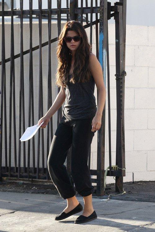 "FAMOSOS y MODA: ""Parental Guidance"" con Selena Gomez."