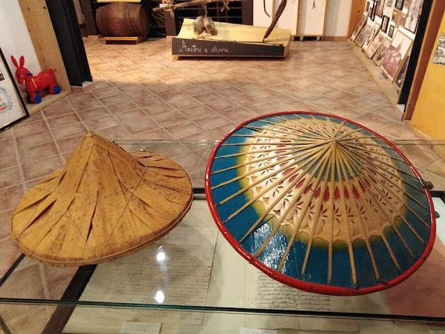 Il #MeTe ha acquisito una straordinaria collezione di cappelli e copricapi da tutto il mondo