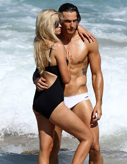 Best Hot Couples Wallpapers