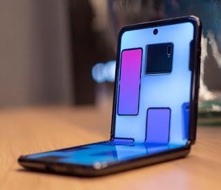 Samsung Galaxy Z Flip in Hindi