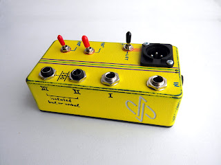 3-way splitter, isolated, with balanced XLR out