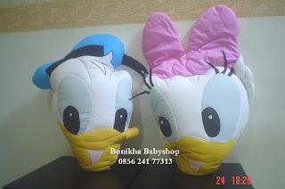 Bantal Donald dan Daisy