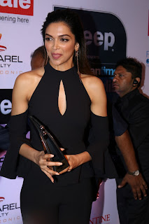 Bollywood Celebrities showcasing Glittering Fashion sense at The Red Carpet Of Most Stylish Awards 2017 24th March 2017