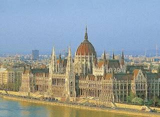 Парламента – главное украшение набережной Пешта