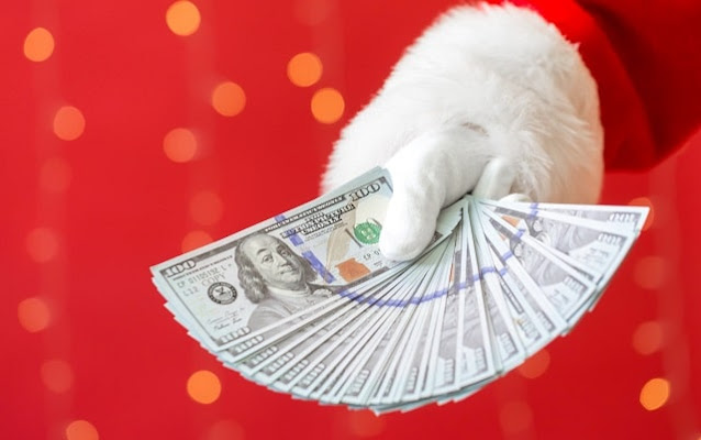holiday money saving tips frugal gifts low cost christmas presents