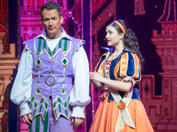 Snow White and the Seven Dwarfs (Pantomime), Richmond Theatre | Review
