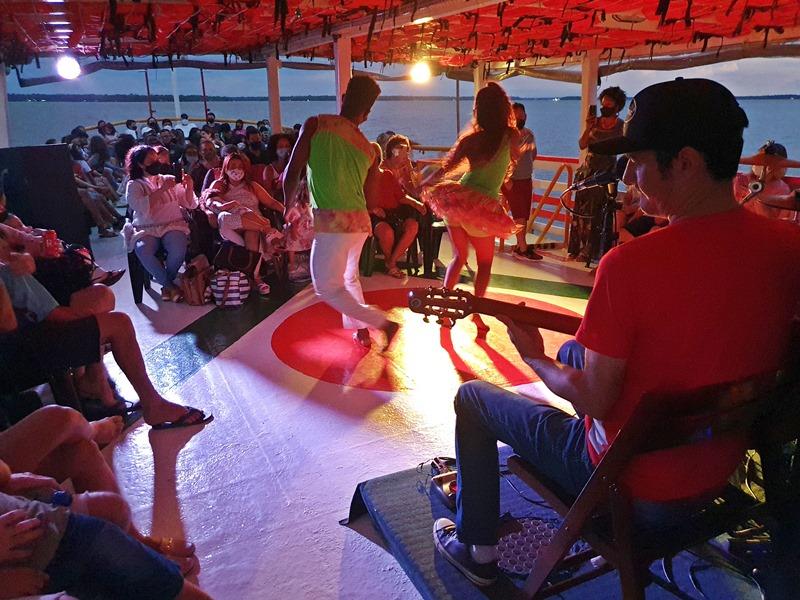 Passeio cultural de barco Belém