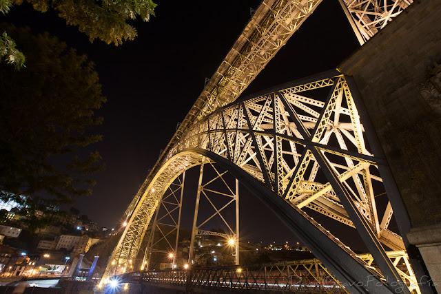 Puente de Luis I de noche