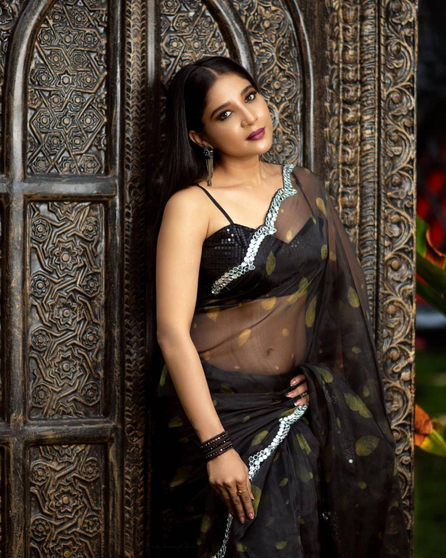 Sakshi Agarwal Hot Pics Stills In Black Saree Photos | Sakshi Agarwal