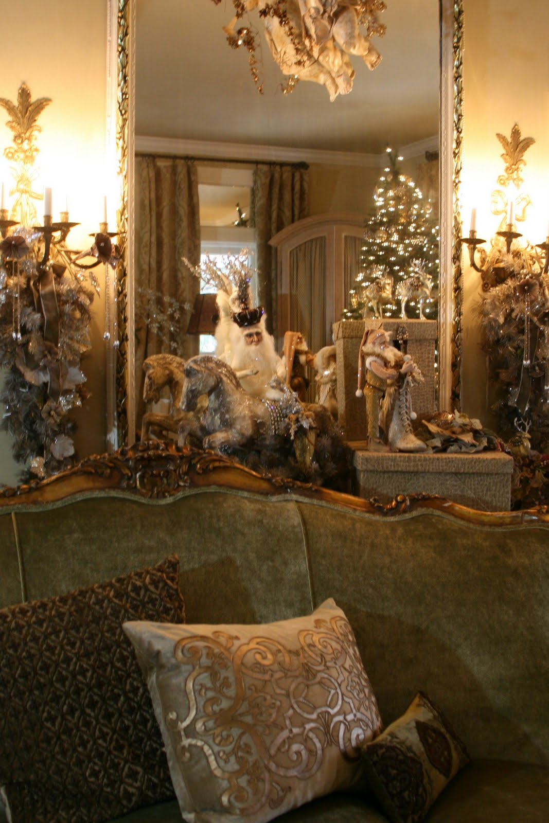 Romancing the home christmas decor for the living room - Christmas living room decor ...