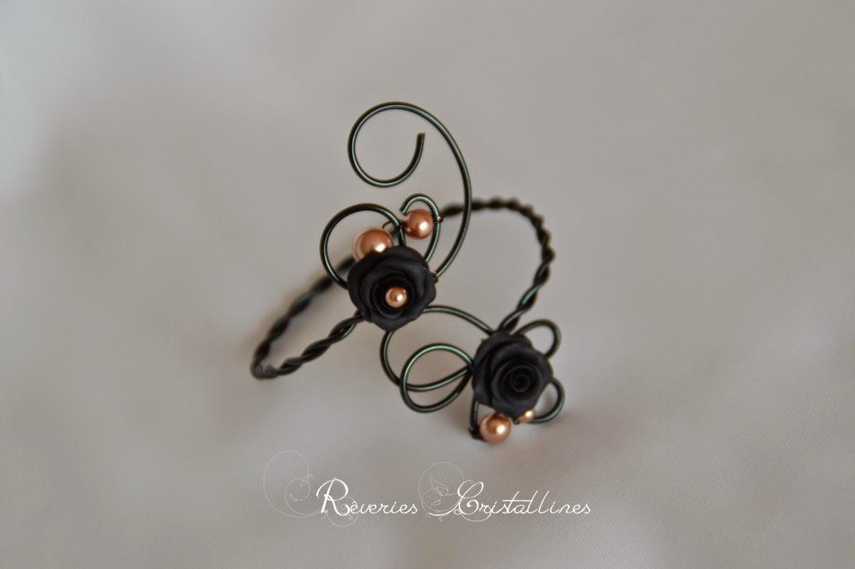 bracelet avec roses noires