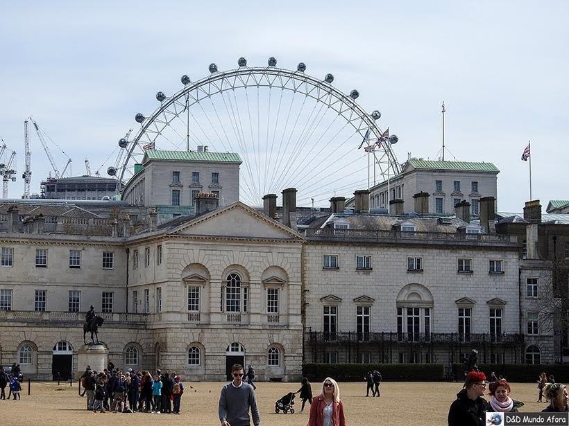 Estábulos reais: local da Horse Guarda Parade -troca da guarda em Londres