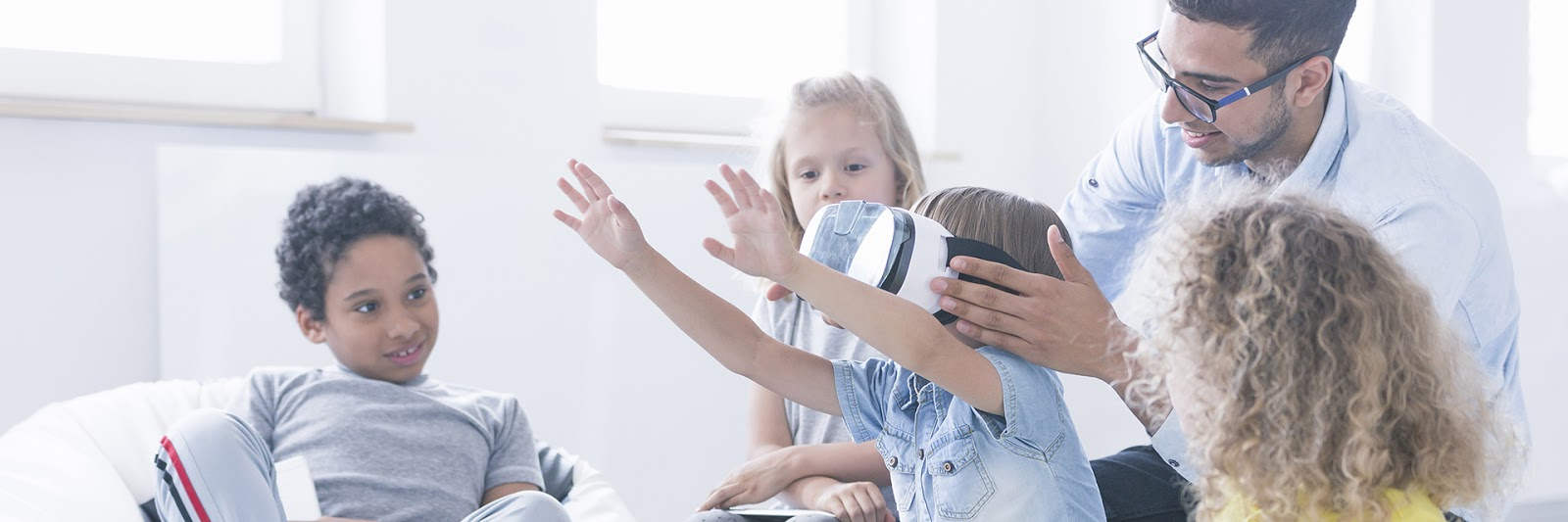 Antipsychotics May Hike Kids Risk For >> Virtual Reality May Help Kids With Autism Adapt To New Situations