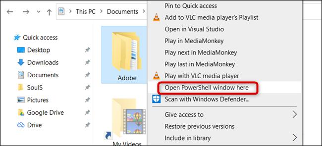 """انقر فوق """"فتح نافذة PowerShell هنا."""""""