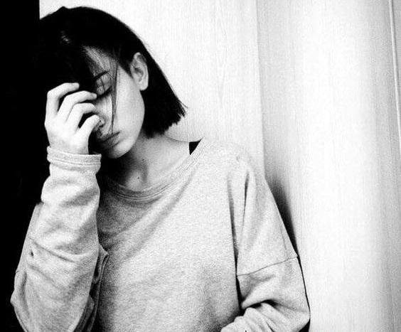 sự im lặng của anh đã làm tôi khóc