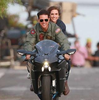 Top Gun starring Tom Cruise coloring.filminspector.com
