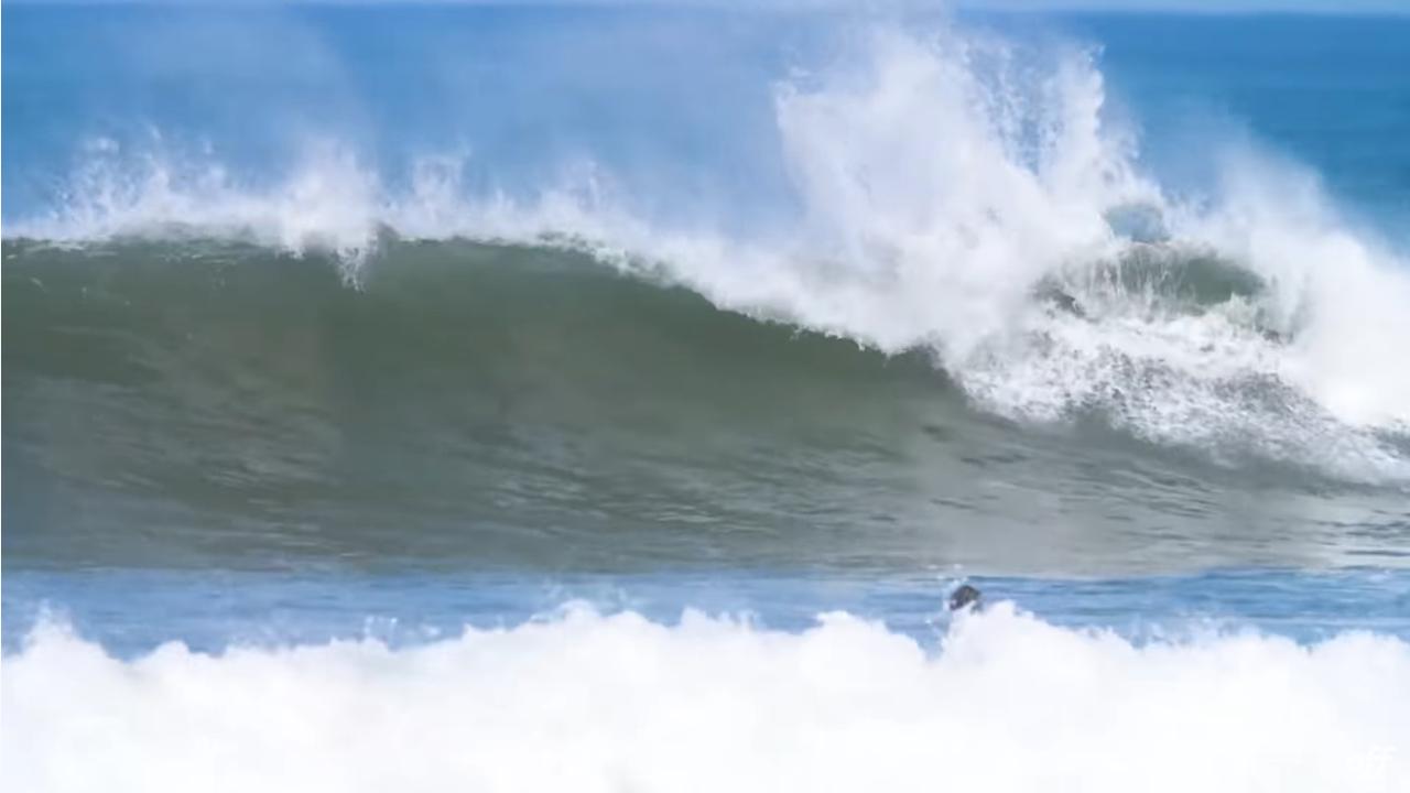 Screenshot_2020 11 19 Gabriel Medina surfa pela primeira vez no Marrocos Mundo Medina Canal OFF%25285%2529