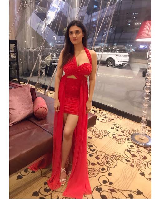 Actress Ragini Khanna Latest Image Gallery actressbuzz.com