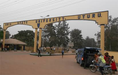 Breaking News!!! A 400 level  student of Abia State University jumped down from a 3 storey building and died
