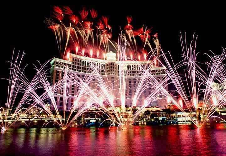 şehirde yılbaşı kutlaması resimleri