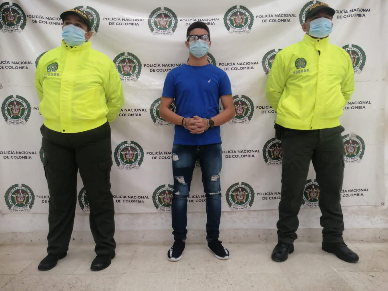 https://www.notasrosas.com/Detenido por abuso sexual con menor de edad, en Riohacha