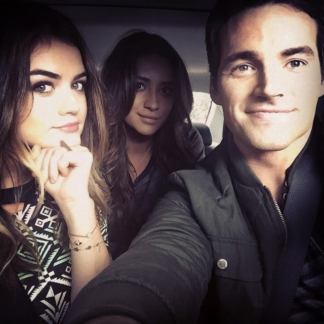 ian harding and shay mitchell relationship