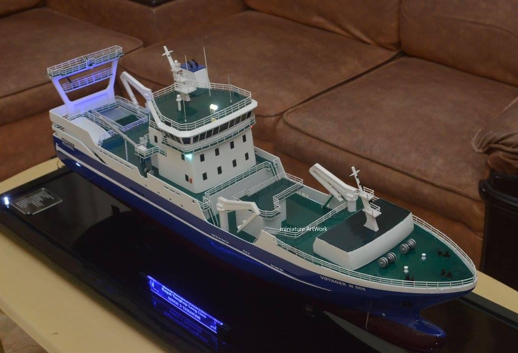 produsen pengrajin miniatur kapal penangkap ikan voyager kilkeel fishing trawler long line n905 rumpun artwork planet kapal terpercaya