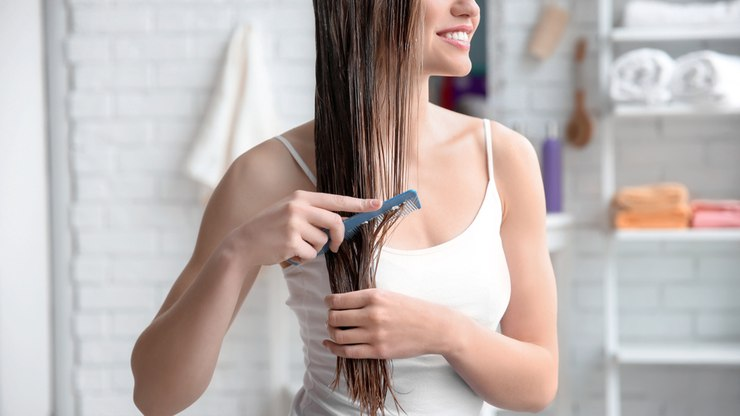 Tratar cabelos quimicamente